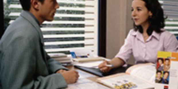 finances et assurances   top 10 des m u00e9tiers qui recrutent