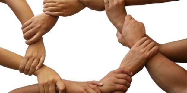 Image result for main dans la main images